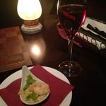 オリエンタルビーチ元町 - 夜はこんな感じで。一口タイプの前菜