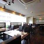 ダイニングレストラン楠 カンフォーラ - ガラス張りの開放的なフロア2名様~30名様までご対応いたします。
