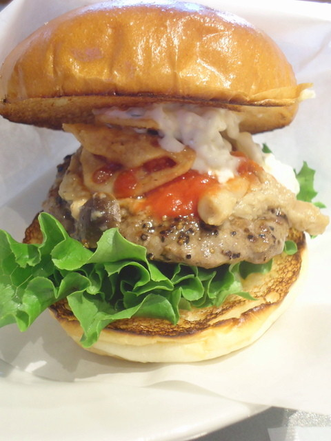 the 3rd Burger 青山骨董通り店 - 木の子の旨味バーガー594円。