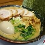 43575432 - 豚骨味噌ラーメン   特トッピング  (麺カタ、油多、スープ普通)