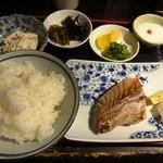 串屋横丁 - サバ塩焼き