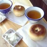 道中おやき本舗 - 料理写真:おやき★お茶と漬物付き☆