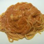 トラットリア ヴィーノ - ゴルゴンゾーラチーズとトマトソースのスパゲッティ
