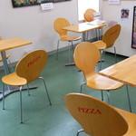麺屋竜二 - テーブル席