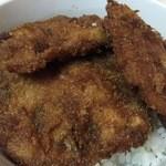 とんかつ ヒロ - 来た~新潟名物のタレカツ♪ランチ定食の場合はカツ3枚です。