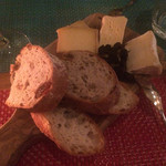 夜木 - チーズ盛合せ1680円