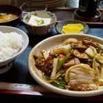 やよい食堂 - 日替わり定食、豆腐と豚の味噌炒め。