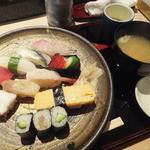 本家鮨忠 - 料理写真:ランチのにぎり1,000円