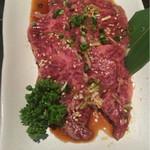 炭火焼肉 銘柄黒毛和牛 福楽苑 - かなり良い肉