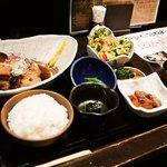 4360576 - 豚の角煮定食