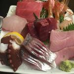 東京 大寿司 - お任せの刺身盛り合わせ