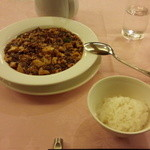 赤坂 四川飯店 - 定番の陳麻婆豆腐です。