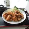 クリスタル - 料理写真:メガ盛りの唐揚げ定食