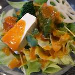 豚竹林 - 定番のサラダ