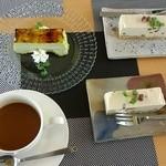 43605313 - スィーツ。大麦若葉のケーキと、豆腐のチーズケーキ