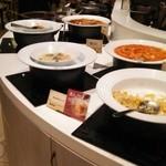 ロテル ド ビュッフェ - あんかけ炒飯、チャプチェ、麻婆豆腐等