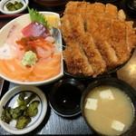 43608046 - よくばり丼(海鮮丼+トンカツ丼)