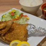 米どころん - 料理写真:鶏半身揚げ定食【2015年10月】