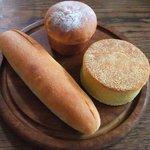 Ohana bakery - ミルククリーム 焼きカレーパン こしあんパン