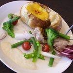 ピッツァ ベッカフィーコ - 有機野菜とチキンのパン・フォンデュ
