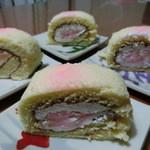 松月堂 - 料理写真:白桃ロール