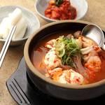 カルビ丼とスン豆腐専門店 韓丼 - 料理写真: