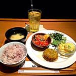 カフェ&ミール ムジ - 選べるDELI4品+十穀米+凍頂烏龍茶