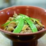 小鯛寿司 - 大将の試作品 佐賀牛のすじ肉丼!寿司米が敷いてあり甘く煮たスジと寿司米が絶妙に合います!