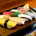 小鯛寿司 - ネタが光る✨