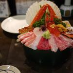 山さん寿司 - 海鮮丼~☆