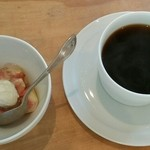 青 AO - 本日のデザート(いちじくのコンフォート)・ドリンクコーヒー