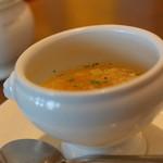 ル サロン ド ニナス - ランチのスープ