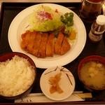 桜島サービスエリア上り線レストラン - 料理写真:「黒豚とんかつ膳」です。