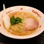 らぁ麺屋 飯田商店 - 鶏油の効かせ方が秀逸な鶏清湯の黄金スープ