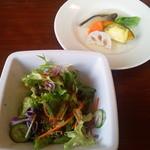 バニラビーンズ - 2011/12 ミニサラダと蒸し野菜。蒸し野菜はあんかけになっていて、このあんが感激する程美味でした!