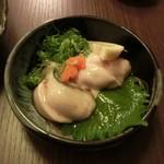 43641978 - 牡蠣ポン酢。ぷりっぷり♪北海道・仙鳳趾(せんぽうし)680円
