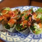 43643785 - 生春巻き:○                       野菜中心のヘルシーな春巻き。                       もうちょっとお肉や海老などが入ってればいいかな。