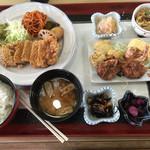 ドライブイン かさぎ - 料理写真:とんかつ定食=1000円