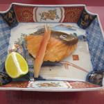 和料理 日和 - 鮭のゆうあん焼き。