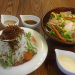 笹田さん家で収穫したサクサク大根サラダ