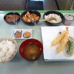 天ぷらの共栄 - A定食(6点、756円)