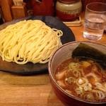 つけ麺屋 やすべえ - つけ麺大盛(760円)+つぶし生ニンニク(0円)