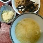 43658201 - ランチのお味噌汁&小鉢