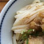 手打うどん 麦蔵 - コシのあるモチモチ麺です。