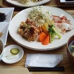 43659564 - お魚&お肉プレートランチ(2015/6)