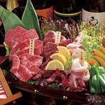 函館焼肉ホルモン市場 愛 - 料理写真:愛の肉舟盛り
