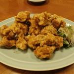 新蓬莱 - 料理写真:鶏のから揚げ骨なし2人前