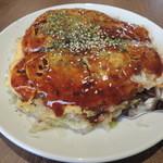 鉄板焼お好み焼 花子 - 肉玉辛麺