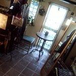 アトリエ Kunugi - ギャラリーゾーンにあるカフェスペース√