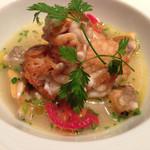 クッチーナ イタリアーナ セルヴァッジョ - 白子のフリット アサリのスープ仕立て